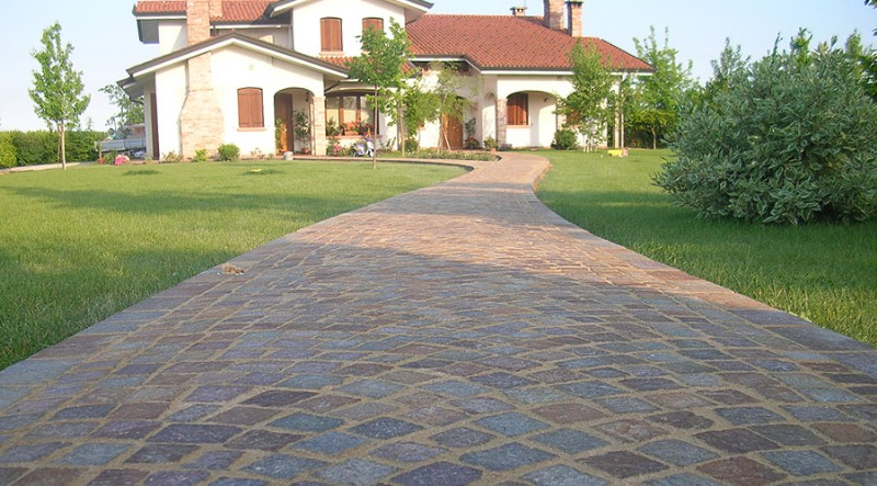 224vialetto_giardino_in_porfido_800x443